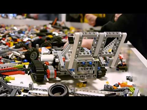 February 2013: LEGO MINDSTORMS EV3 had its first public showing at LEGO World in Copenhagen.