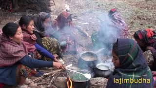 nomad people cooking and eating || Nepal || village life || himalayan life ||