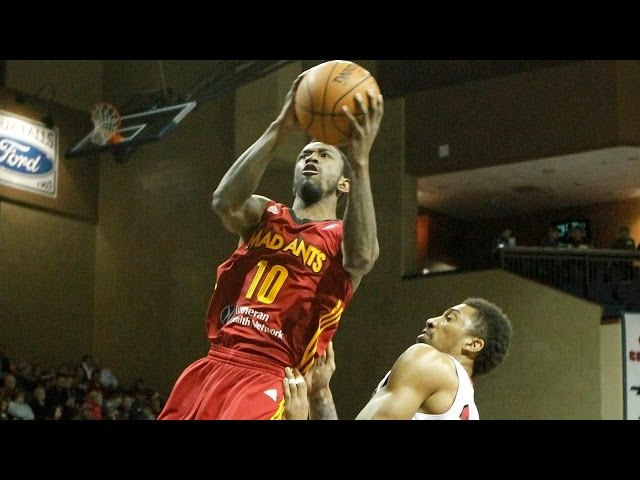 Russ Smith tallies 16 points, 8 assists against the Skyforce