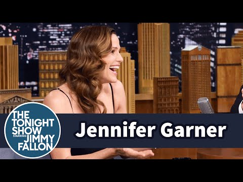 Jennifer Garner's Oscar Dress Caused a Big Bathroom Emergency