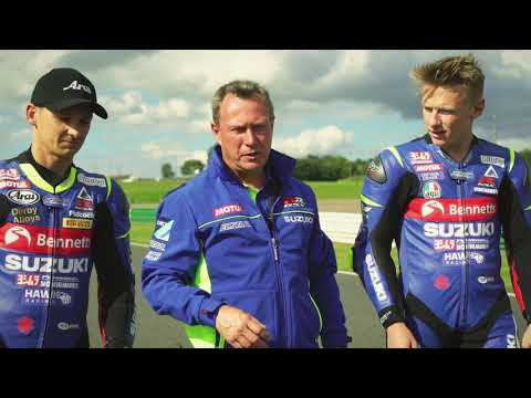 Taylor Mackenzie vs Richard Cooper on new GSX-R125 and GSX-S125