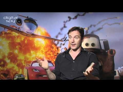 Jason Isaacs answers your tweets