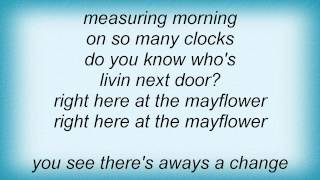 Watch Barry Manilow Do You Know Whos Livin Next Door video