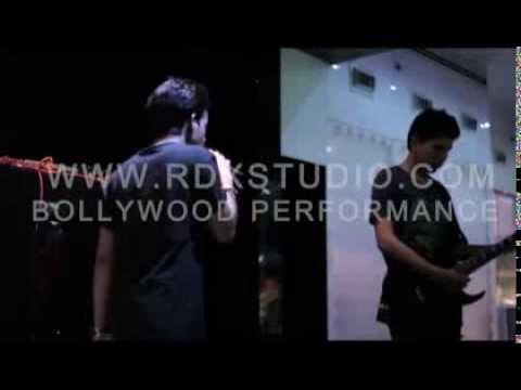 Super hit Live performance of Bakhuda Tumhi Ho Song of Aatif...