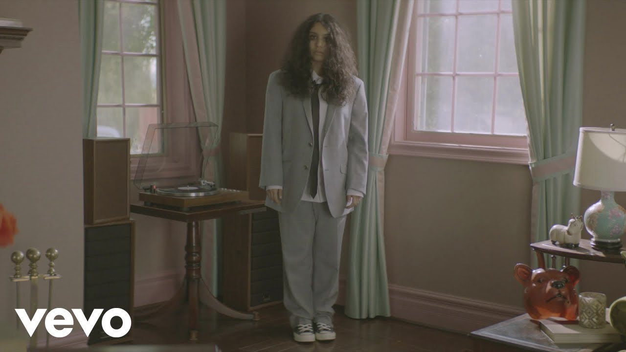 """Alessia Cara - 新譜「The Pains Of Growing」2018年11月30日発売予定 """"Not Today""""のLyric Videoを公開 thm Music info Clip"""