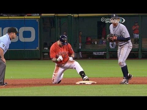 SEA@HOU: Barnes' hustle double completes his cycle