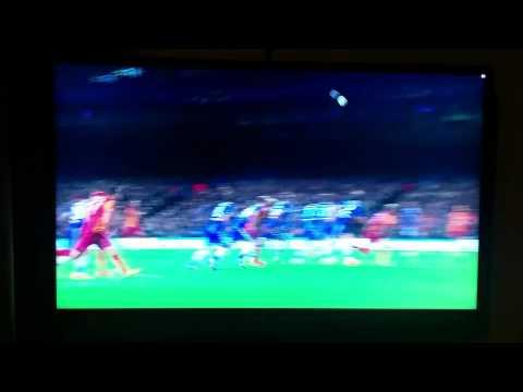 CL CHELSEA VS GALATASARAY. Drogba kisses mourinho