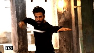 Watch Rithvik Dhanjani Performing Deadly Stunt | Don't Miss