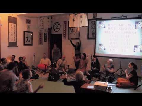 Chitta Chora Yashoda Ke Bal – Bhajan Andrea Il Diario di Viaggio