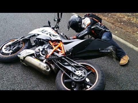 MON PREMIER CRASH (Glissade) en KTM Duke 690 R