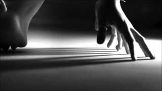Watch Erykah Badu Danger video