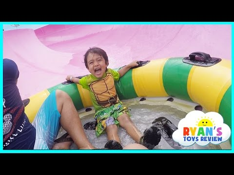 Ryan Rides the Water Slides During Family Vacation to Schlitterbahn Waterpark Resorts!