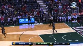 Jared Dudley Shoots the Wrong Way
