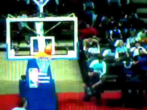 2K11 Myplayer Luckiest play ever (Pistons VS Bucks)