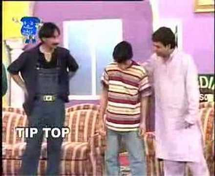Pakistani Funny Hit Stage Drama Kuri Kapatty Munday Karary Clips