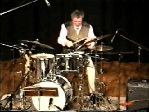 GUIDO TONONI - Franco Cerri in concert - Assolo batteria.avi