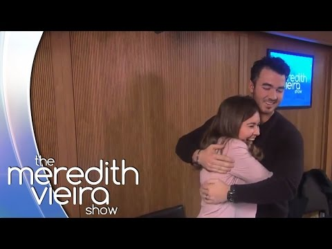 Kevin Jonas Is All Maddie Wants For Christmas! | The Meredith Vieira Show