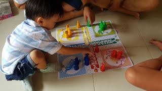 Trò Chơi Cờ Cá Ngựa | BA, MẸ, CHỊ THƯ, ANH HAI CÙNG CHƠI CỜ | KIDS TOY MEDIA