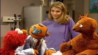 Elmo's World   Elmo Visits the Doctor NEW