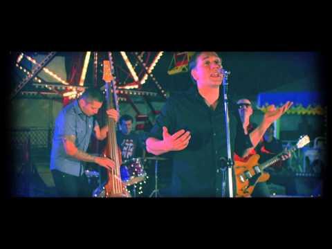 Roda-Gigante - Biquini Cavadão [clipe oficial] indicado ao Grammy 2013