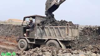 Máy xúc múc đất lên xe công nông ❤. Nhạc thiếu nhi vui nhộn.