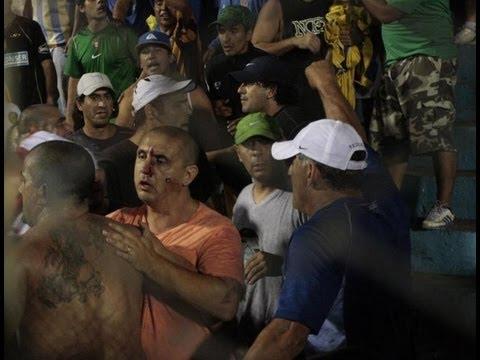 Barras de Rosario Central chocaron con la policía en Tucuman /// acaestalahinchada