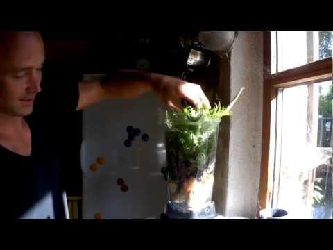 Wildkräuter Frucht Smoothie Improvisation
