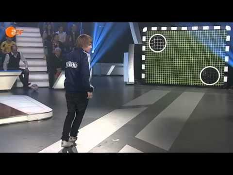 FCB - BVB an der Torwand: Nimmt Oliver Kahn Revanche gegen den YouTube-Kandidaten?