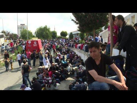 Hundreds of Syrians blocked from leaving Turkey