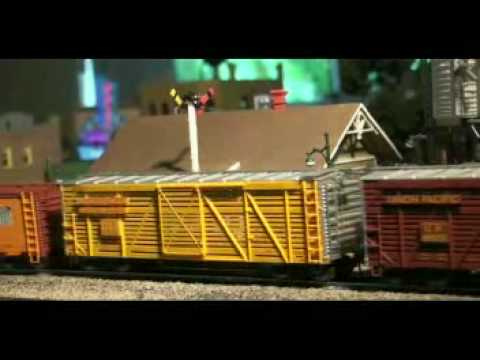 UNION PACIFIC TTT 2-10-2 HO Hybrid by BLI Video