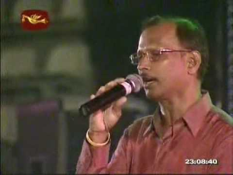 GEETH MADHURI MUSICAL SHOW 2010..... - Ek Phool Do Mali 1969...
