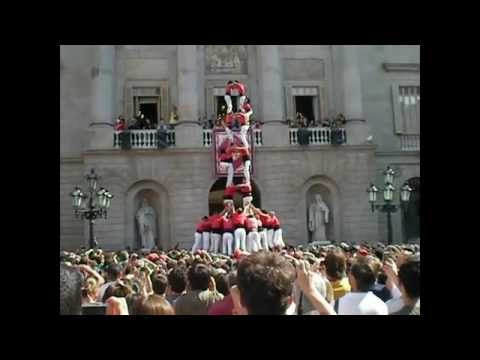Catalonia, Spain Travel Guide: Must see the human towers (Castellers) Catalonia, Spain Travel