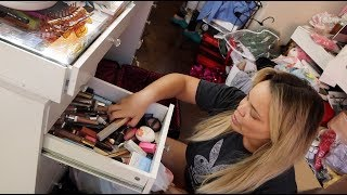 cleaning out my MAKEUP COLLECTION after 4 years!