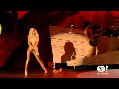 Lady Gaga - Bad Romance live (Decade Of Difference Concert - Clinton)