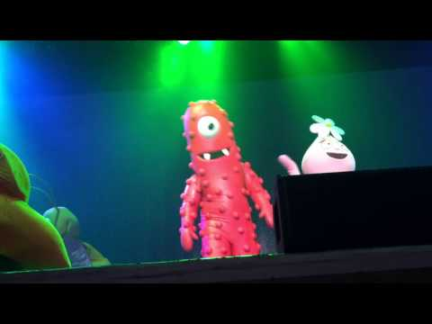 Yo Gabba Gabba Live! I Love Bugs video