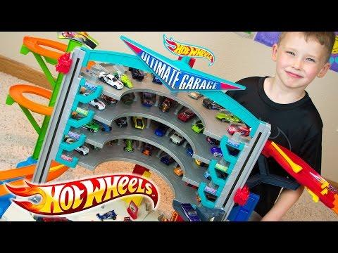 Hot Wheels Ultimate Garage & Team Hot Wheels Toy Cars
