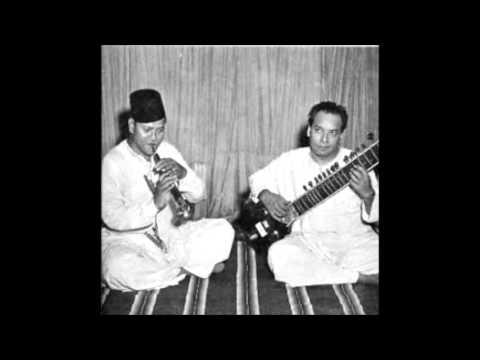Bismillah Khan & Vilayat Khan - Bhairavi (Live - early 70s)