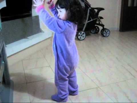 Cerelac Jingle | Liah Dançando -  Música ♫ Cerelac ♫ (1 Ano E 2 Meses) video