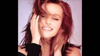 Watch Belinda Carlisle My Heart Goes Out To You video