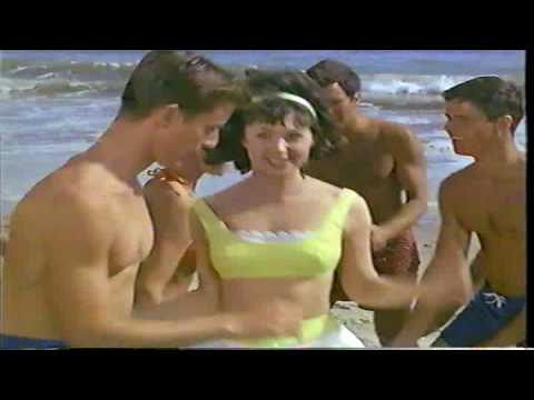 Love's A Secret Weapon, extrait de Bikini Beach (1964)
