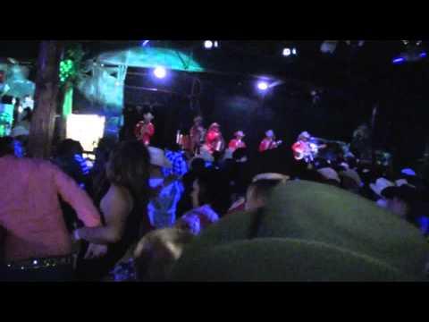 bailando satevo con los vendavales en kansas city