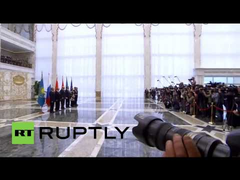 Belarus: Putin and Poroshenko shake hands ahead of Minsk talks on Ukraine crisis