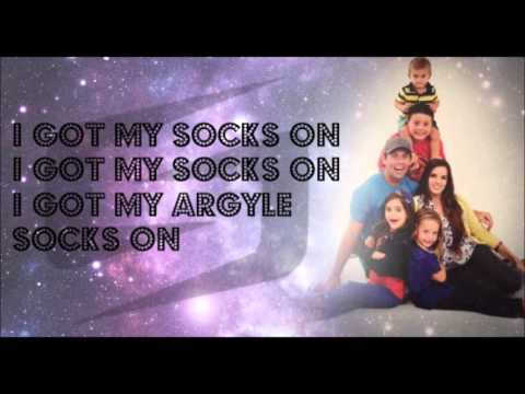 Shay Butler ft. Emily Valentine and Duke WestLake - THE SOCKS SONG! Lyrics
