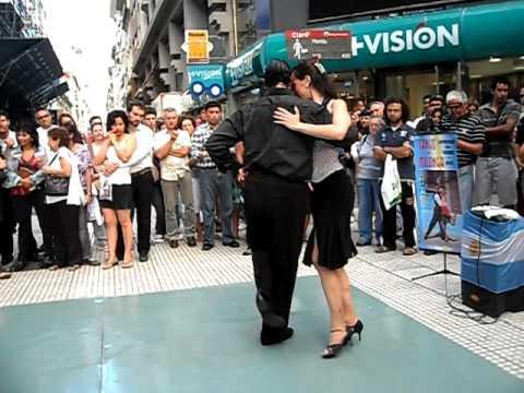 Pareja de bailarines de Milonga en Buenos Aires