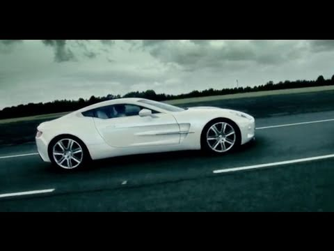 Aston Martin One-77: at the track