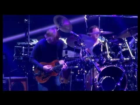 Phish - Slave To The Traffic Light