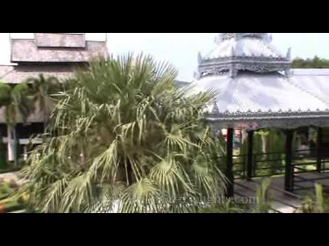 Nong Nooch Tropical Gardens, Sukhumvit Road, Pattaya, Chonburi Province, Thailand. ( 2 )