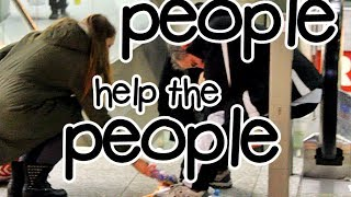 PEOPLE HELP THE PEOPLE !! | mit Henn - Over