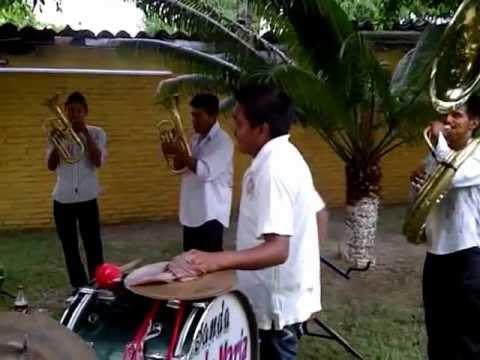 Chichihualco - Banda Santa Maria - El Ausente Ft. Bombon