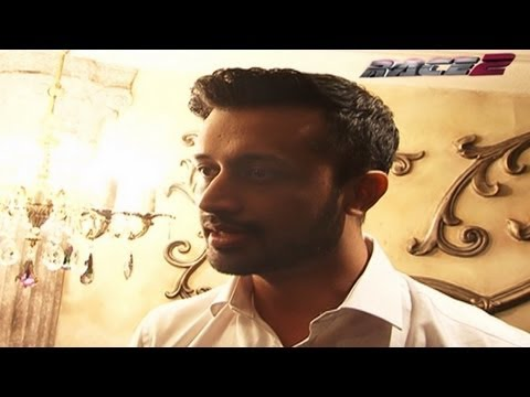 Atif Aslam On The Making Of Be Intehaan - Race 2 Behind The Scenes video